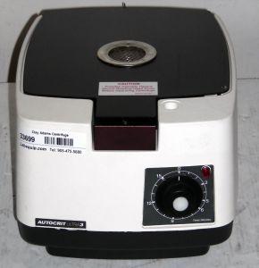 Clay Adams Autocrit Ultra 3 (420575) Bench-model, Hematocrit Centrifuge