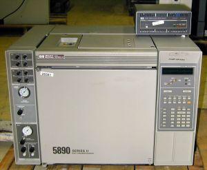 Hewlett Packard 5890 Series II 2-FID Gas Chromatograph