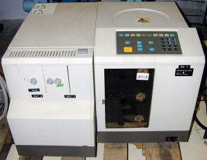 Perkin-Elmer 8500 FID-TCD Gas Chromatograph (GC)   Labequip