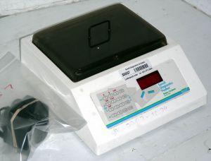 Sanofi Diagnostics Stat Fax - 2202 Microplate Shaker
