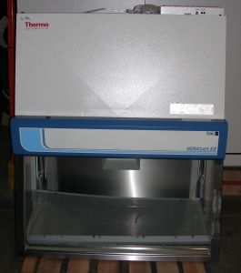 Thermo Scientific HeraSafe KS-12 Class II, A2 Laminar Flow Biohazard Hood