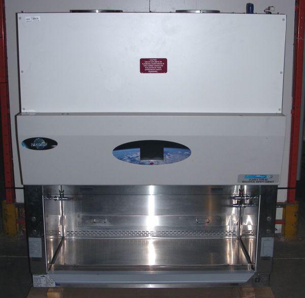 Nuaire LabGard ES NU-S430-400 (II/B Laminar Flow Biohazard Hood