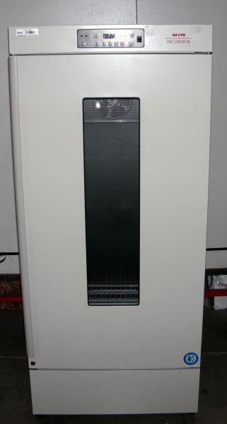 Sanyo MIR-253 Refrigerated Incubator